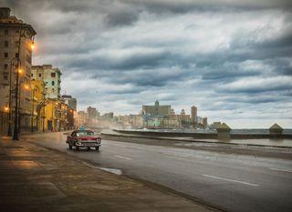 Restless girl u Havani