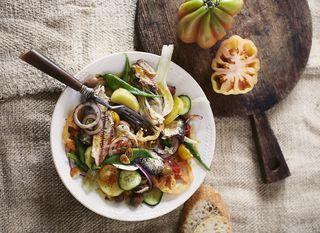 Grčka salata sa sardinama