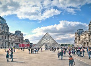 1. Louvre, Pariz