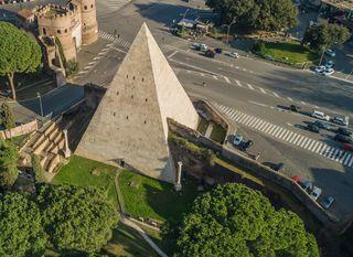 Cestijeva piramida u Rimu - 3