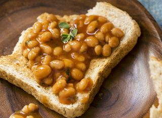 Grah na tostiranom kruhu