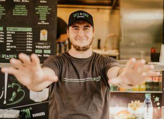 Robert Lipovac - najbrža ruka u pripremi burgera - 3