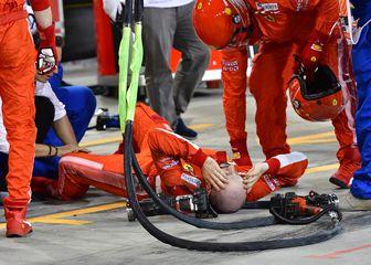 Ozlijeđeni mehaničar u boksu Ferrarija (Foto: AFP)