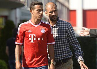 Thiago Alcantara i Pep Guardiola (Foto: AFP)