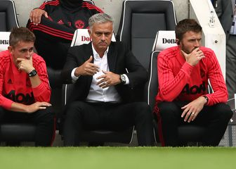 Frustrirani Jose Mourinho (Foto: John Walton/Press Association/PIXSELL)