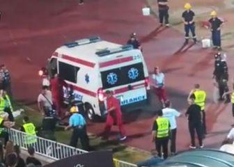 Hitna pomoć dolazi po navijača Partizana (Screenshot)