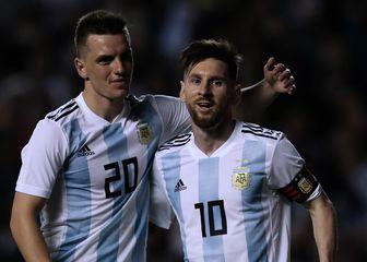 Giovani Lo Celso i Lionel Messi (Foto: AFP)