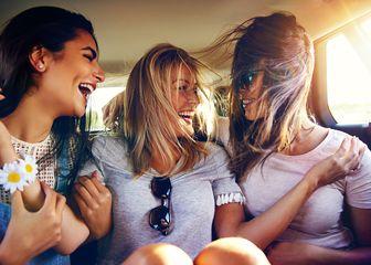 Prijateljice na ljetovanju