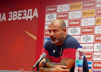 Trener Crvene zvezde Dejan Stanković