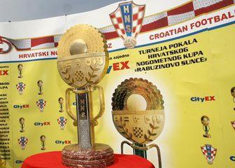 Trofej namijenjen osvajaču Hrvatskog nogometnog kupa