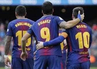 Suarez, Messi i Paulinho slave pogodak (Foto: AFP)
