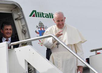 Papa u Emiratima (Foto: AFP)