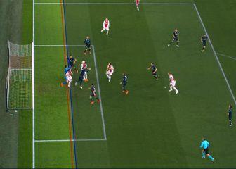 Sporna situacija (Foto: UEFA/Twitter)