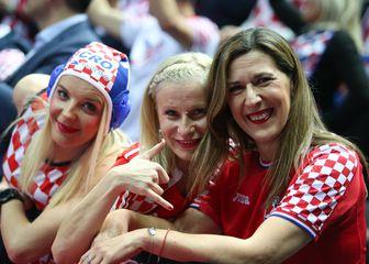 Navijačice na utakmici Hrvatska - Srbija (Foto: Ivo Cagalj/PIXSELL)