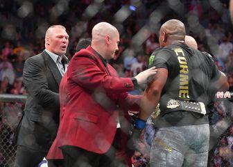 Brock Lesnar i Daniel Cormier (Foto: AFP)