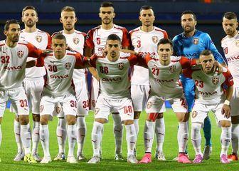 Momčad Skenderbeua na Maksimiru uoči utakmice protiv Dinama (Foto: Slavko Midžor/PIXSELL)