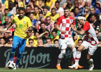 Rebić u društvu Neymara i Vrsaljka (Foto: Nick Potts/Press Association/PIXSELL)