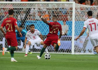 Ricardo Quaresma zabija gol Iranu (Foto: Saeid Zareian/DPA/PIXSELL)