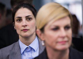 Predsjednica Kolinda Grabar Kitarović prilikom posjeta Osijeku bila je pod pratnjom žene koja radi u osiguranju (Foto: Davor Javorovic/PIXSELL) - 7
