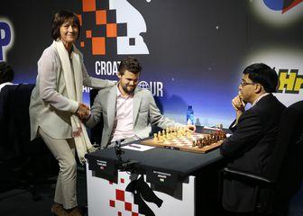 Magnus Carlsen, Viswanathan Anad i norveška veleposlanica (Photo: Marko Prpic/PIXSELL)