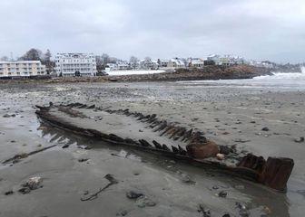 Jaka oluja otkopala drveni brod star nekoliko stotina godina (Foto: York Maine Police Department/Facebook)