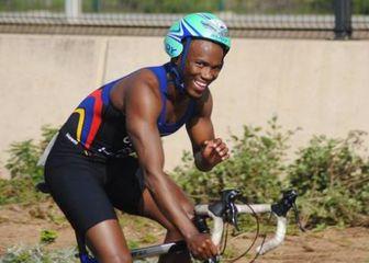 Triatlonac Gwala na biciklu (Foto: Screenshot Facebook)