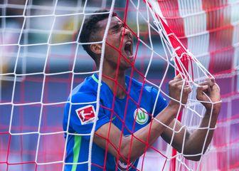 Wolfsburgov Felix Uduokhai (Foto: AFP)