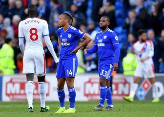 Igrači Cardiffa tuguju nakon ispadanja (Foto: Simon Galloway/Press Association/PIXSELL)
