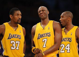 Ron Artest, Lamar Odom i Kobe Bryant (Foto: AFP)