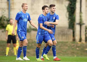 Mladi Dinamovci slave gol (Foto: Luka Stanzl/PIXSELL)