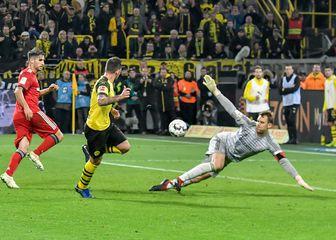 Paco Alcacer postiže pogodak za pobjedu protiv Bayerna (Foto: nph/NordPhoto/PIXSELL)