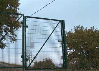 Zaključana ograda, ilustracija