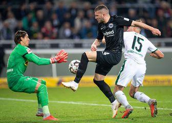 Eintracht u prilici za pogodak (Foto: AFP)