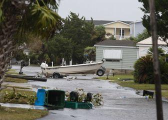 Stravični uragan Michael iza sebe ostavlja pustoš (Video: AFP) - 3