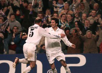 Zinedine Zidane i Santiago Solari (Foto: AFP)