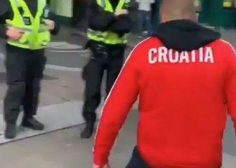 Hrvatski navijač u Walesu
