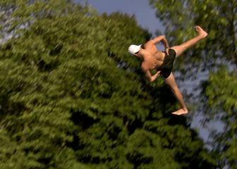 Skokovi u vodu (Foto: Screenshot/YouTube)