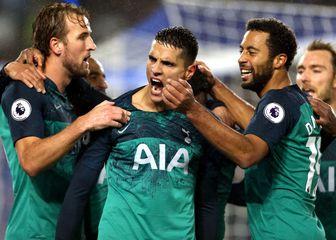 Slavlje igrača Tottenhama (Foto: Steven Paston/Press Association/PIXSELL)