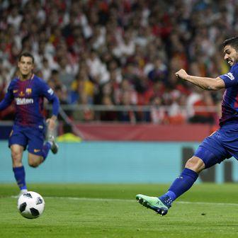 Luis Suarez zabija gol (Foto: AFP)