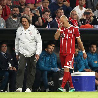 Ozlijeđeni Arjen Robben (Foto: John Walton/Press Association/PIXSELL)