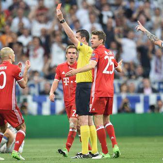 Igrači Bayerna poludjeli na suca Kassaija (Foto: Andreas Gebert/DPA/PIXSELL)