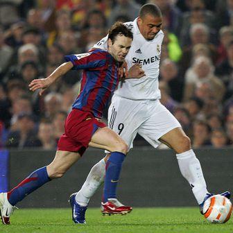 Andres Iniesta i Ronaldo (Foto: AFP)