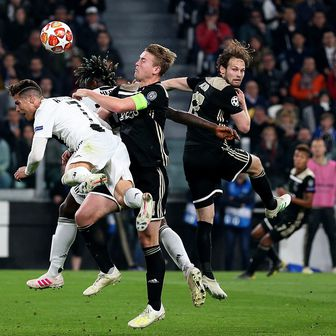 Cristiano Ronaldo i Matthijs de Ligt (Foto: Steven Paston/Press Association/PIXSELL)