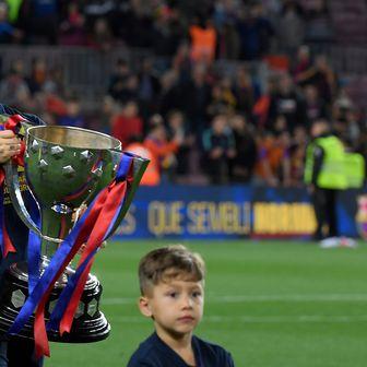 Ivan Rakitić slavi naslov (Foto: AFP)