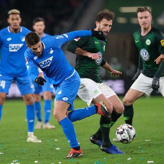Kramarić u akciji protiv Wolfsburga (Foto: Peter Steffen/DPA/PIXSELL)