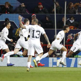 Slavlje igrača PSG-a (Foto: Martin Rickett/Press Association/PIXSELL)