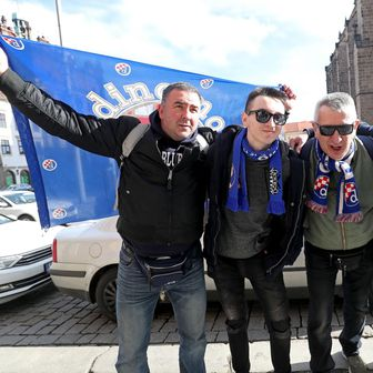 Navijači Dinama u Plzenu (Foto: Igor Kralj/PIXSELL)