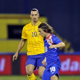 Zlatan Ibrahimović i Luka Modrić (Foto: AFP)
