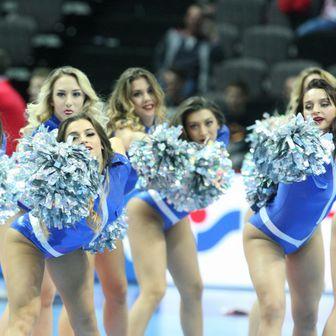 Plesačice na utakmici Švedska - Island (Foto: Ivo Cagalj/PIXSELL)