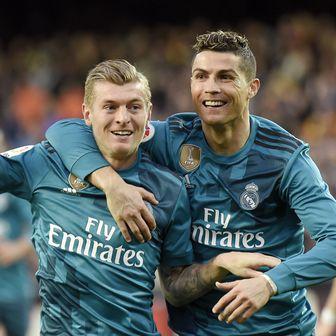 Toni Kroos i Cristiano Ronaldo (Foto: AFP)